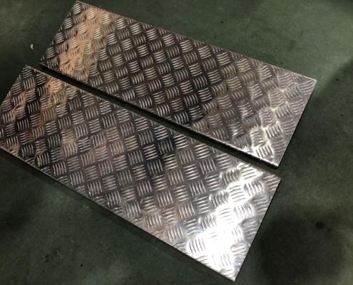 アルミ縞板